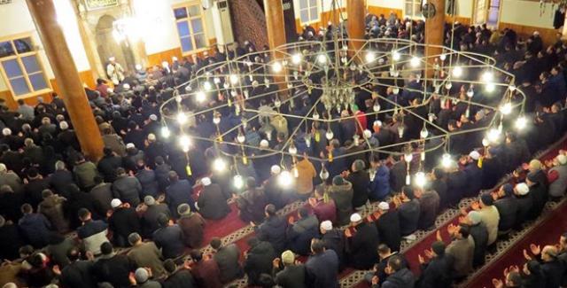 90 Bin Camide Askerler İçin Dua Edildi