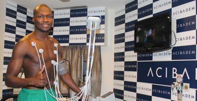 Bursaspor'un Prensipte Anlaşmaya Vardığı Moussa Sow Sağlık Kontrolünden Geçti