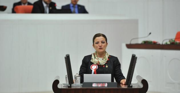 """CHP'li Basmacı, """"Eğitimde Öğrencilerin Kaderi Artık Babasının Cüzdanına Bağlı Kılınıyor"""""""