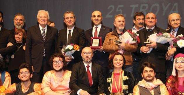 25. Troya Kültür-Sanat Ödülleri Bakırköy'de Sahiplerini Buldu