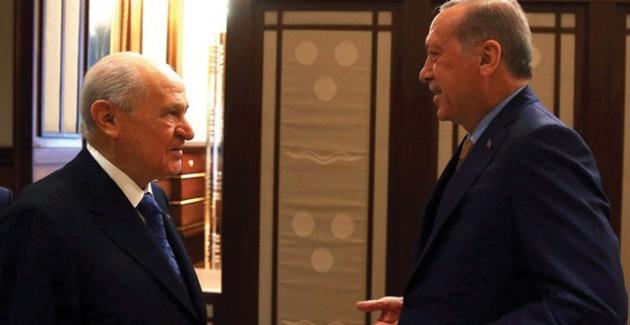 """Erdoğan İle Bahçeli """"İttifaka"""" Son Şeklini Verecek: İttifaka Üç İsim"""