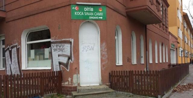 Berlin'deki Cami Yangınında Kundaklama Şüphesi