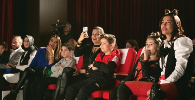 Hospitadent Çocuk Tiyatrosu Perdelerini Açtı