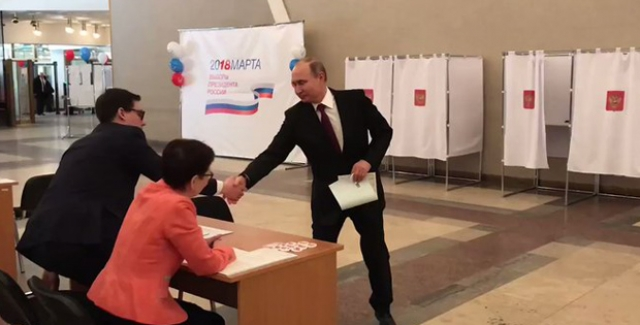 Ruslar Sandık Başında