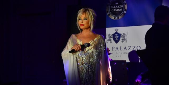 Türkiye'nin Mavi Boncuğu Emel Sayın Kaya Palazzo Resort & Casino Girne'de