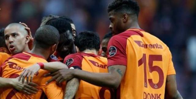 Galatasaray Ryan Donk'un Sözleşmesinin Yenilenmesi İçin Görüşmelere Başladı