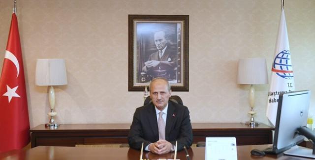 Bakan Turhan'ın Soyadı Resmi Gazete'ye Düzeltme Yayımlattı