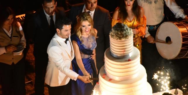 Çağla Baykam-Efe Bezci Ankara'da Görkemli Bir Davet İle Nişanlandı