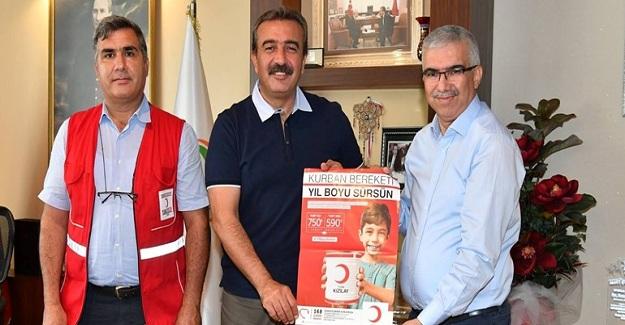 Çukurova Belediye Başkanı Çetin'den Türk Kızılayı'na Kurban Bağışı