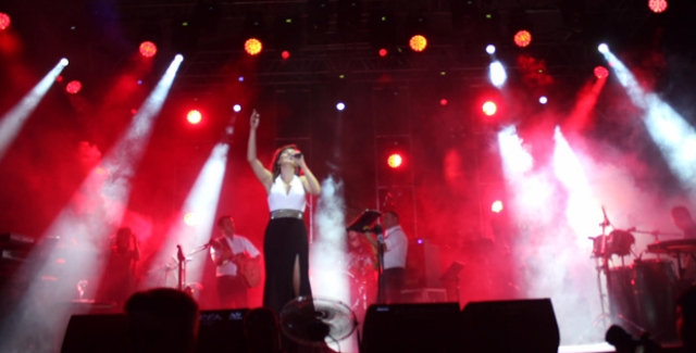 Funda Arar Ankaralılara Müzik Ziyafeti Yaşattı