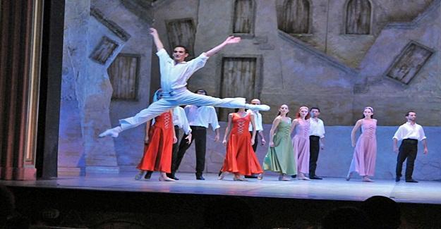 Opera ve Bale Severler Aspendos'ta Buluşuyor