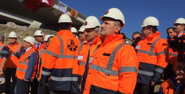 Bakan Turhan: Yatırımları Sürdüreceğiz