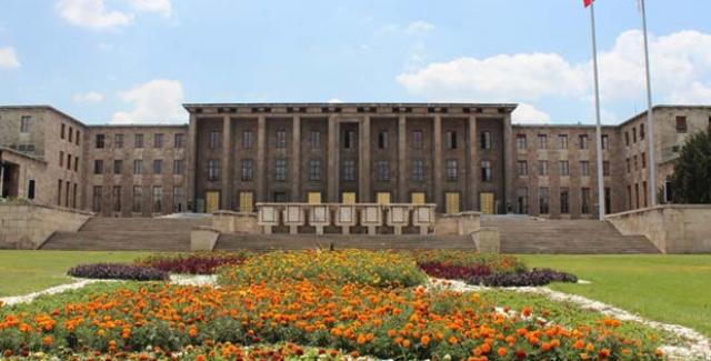 Meclis Kapılarını 1 Ekim'de Açacak