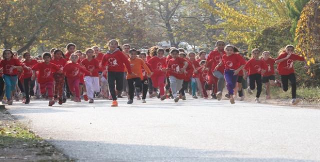 Binlerce Öğrenci Ata'sı İçin Koştu
