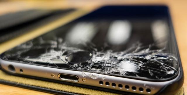 Ekranı Kırılmış Bir Telefondan Veriler Nasıl Kurtarılır?