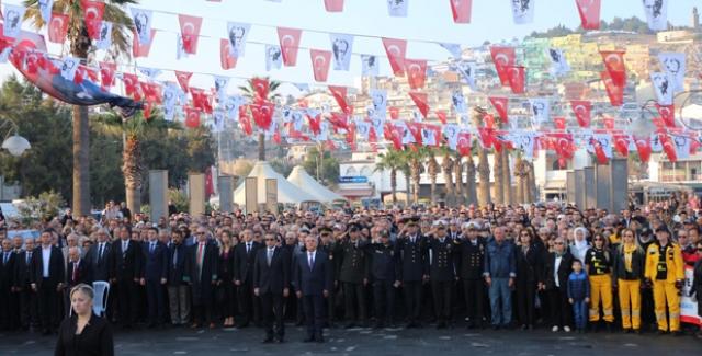 Ulu Önder Mustafa Kemal Atatürk Kuşadası'nda Anıldı