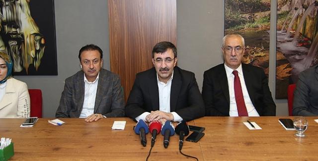 """AK Partili Yılmaz, """"Yargı Yerindelik Denetimi Yapamaz, Yargı Siyasi Tercihte Bulunamaz"""""""