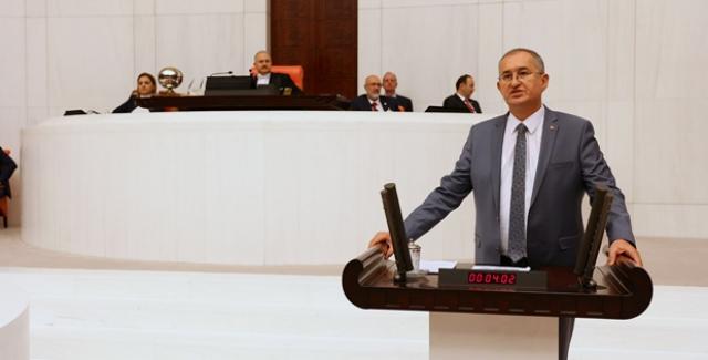 CHP'li Sertel'den Meclis Kürsüsünde Ozan Arif'li Gönderme!