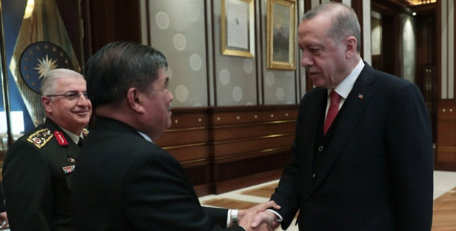 Cumhurbaşkanı Erdoğan, Malezya Savunma Bakanı Sabu'yu Kabul Etti