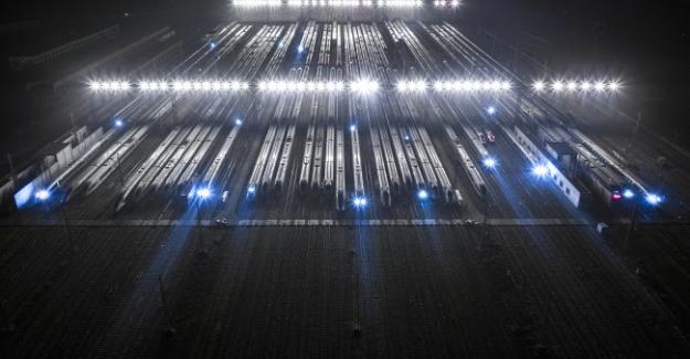 Çin'de Bahar Festivali Süresince 200 Milyondan Fazla Tren Yolculuğu Yapıldı