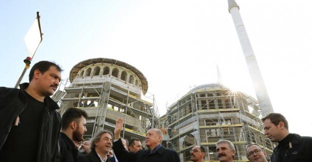 Cumhurbaşkanı Erdoğan Taksim Camisi İnşaatında İncelemelerde Bulundu