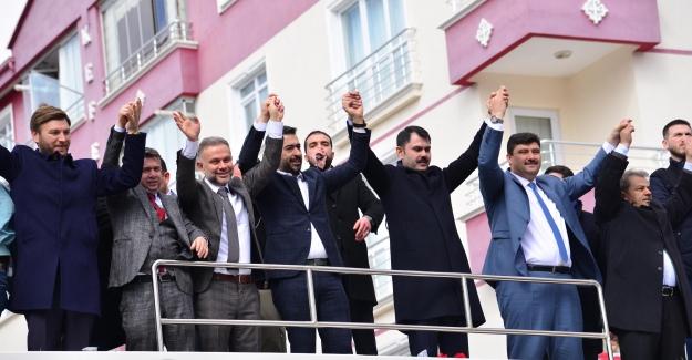 """Bakan Kurum: """"Serhat Oğuz'un Projelerinin Arkasındayız"""""""