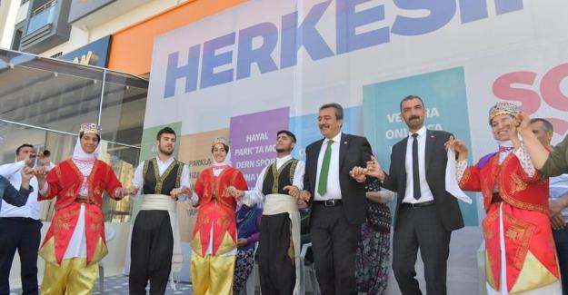 Başkan Çetin'in Neşesi Zirve Yaptı