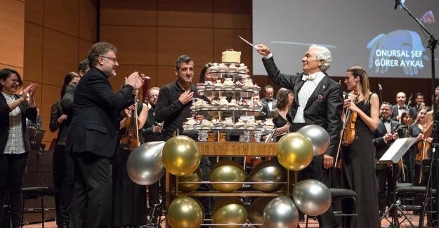 BİFO 20. Yılını Onursal Şefi Gürer Aykal İle Unutulmaz Bir Konserle Kutladı