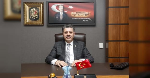 """""""İstiklal Marşı; Türk Milleti'nin Bağımsızlığa Olan Tutkusunu En Güzel Biçimde Yansıtmaktadır"""""""