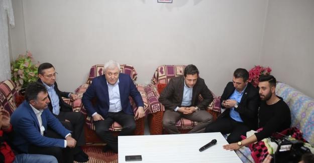 Kılıçdaroğlu, Bayraklı'da Yaralanan CHP'li Gençleri Aradı