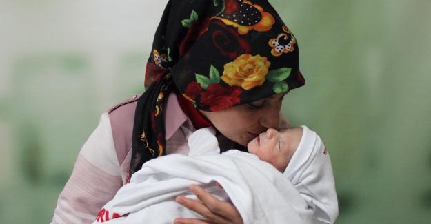 Mucize Bebek Muhammed Yeniden Yaşama Tutundu