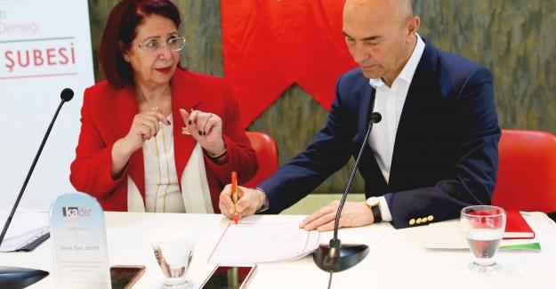 Soyer, Kadın Dostu Kent Taahhütnamesini İmzaladı