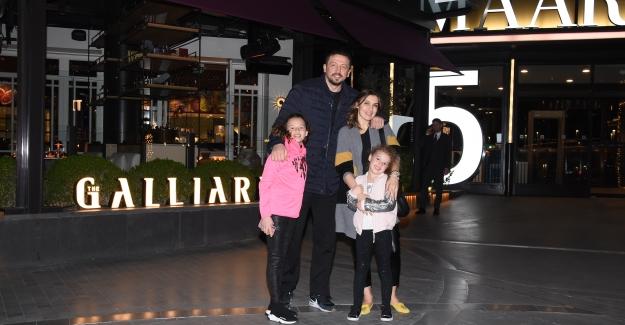 Türkoğlu Ailesinin Yemek Keyfi