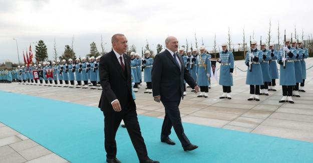 Belarus Cumhurbaşkanı Lukashenko Cumhurbaşkanlığı Külliyesinde