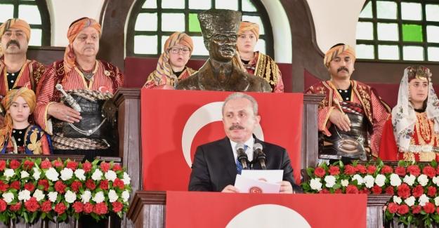 Birinci Meclis'te 23 Nisan Töreni...