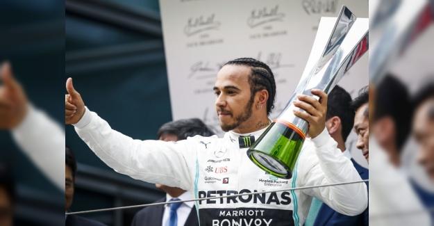 Çin Grand Prix'yi, Mercedes Pilotu Lewis Hamiton Kazandı!