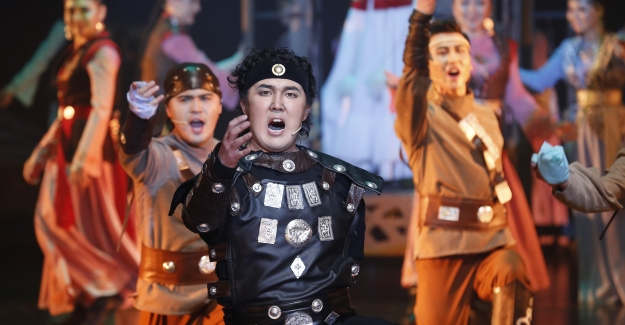 Dünya Tiyatroları 'Türkçe' Perde Açacak