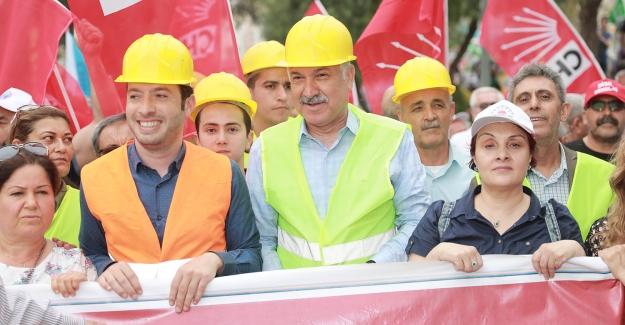"""Karalar: """"İşçiler Dünyayı İnşa Edenlerdir Ve Emek En Yüce Değerdir"""""""