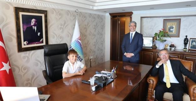 Marmaris'te Minik Öğrenciler Belediye Başkanı Oldu