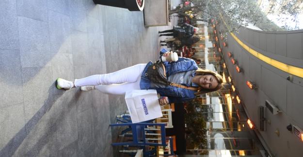 Pınar Altuğ Kanyon'da Kuaför Çıkışı Objaktiflere Takıldı