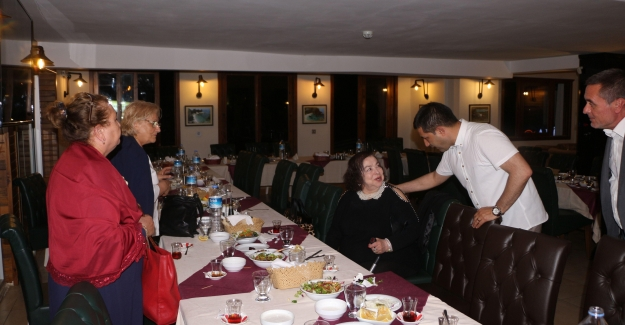 Başkan Günel, Şehit Annelerinin Anneler Gününü Kutladı