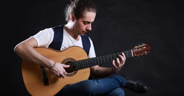 Doruk Okuyucu'dan Flamenko Albüm: Nefes Nefese Yayında!