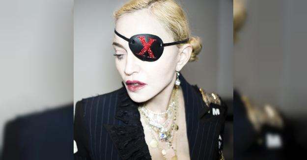 Madonna, Yeni Single Lansmanında Dünyanın İlk Tılsım Mücevher Markası Bee Goddess'ın Uğurundan Güç Aldı