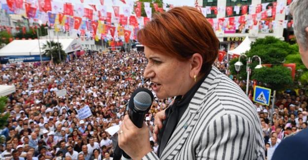 """Akşener: """"Bunlar İstanbul'a Hizmet Ettiklerini İddia Ediyorlar Ama İstanbul'a İhanet Ediyorlar"""""""