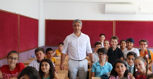 Başkan Oktay Çocukların Karne Sevincine Ortak Oldu