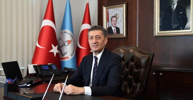 Milli Eğitim Bakanı Selçuk Türk Kızılay'ının Kuruluş Yıl Dönümünü Kutladı
