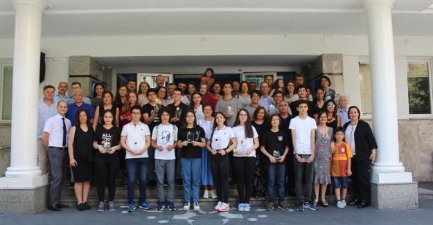 Oğuzkaan Koleji, LGS'de 4 Tane Türkiye Şampiyonu Çıkardı