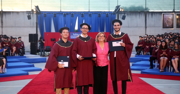 Sabancı Üniversitesi Kurucu Mütevelli Heyeti Başkanı Güler Sabancı'dan Mezunlara Tavsiyeler