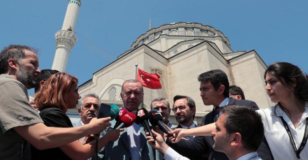 """""""Türk Soydaşlarımızın Haklarını Sonuna Kadar Korumakta Kararlıyız"""""""