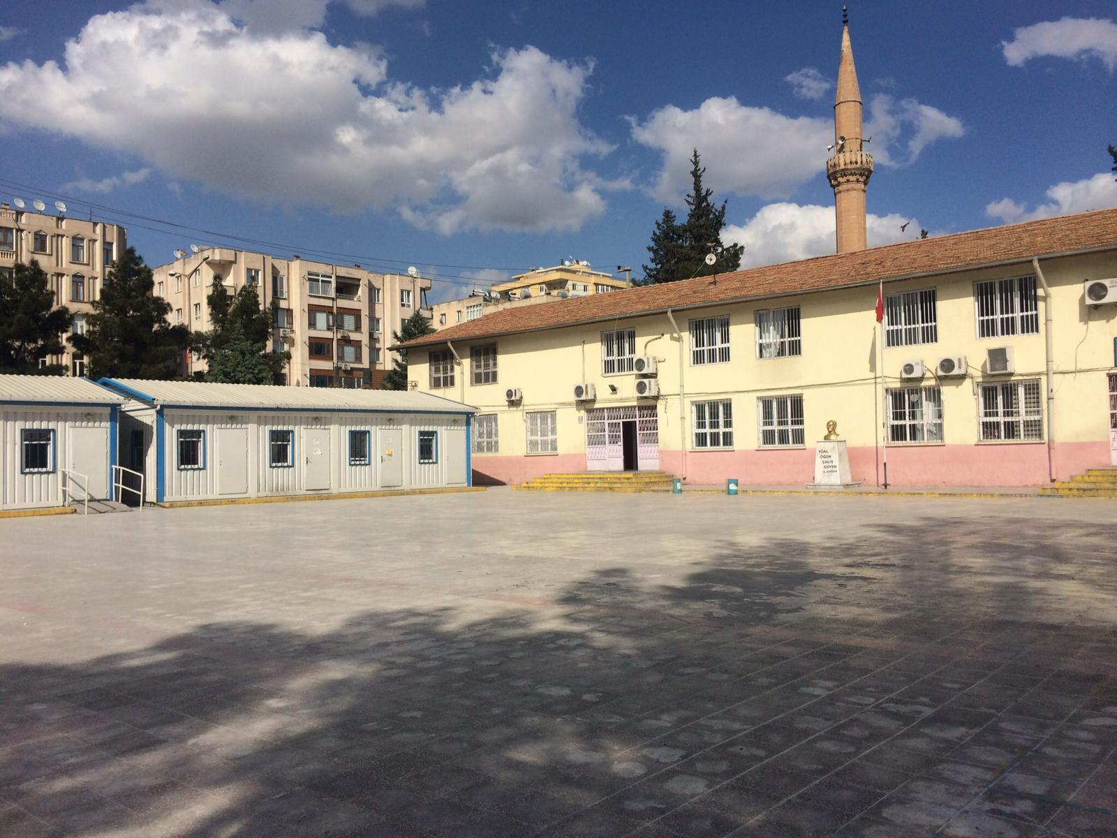 """CHP'li Tanal: """"Vakıf Arazisini Devlet Okulu Yerine Özel Koleje Verdiler"""""""